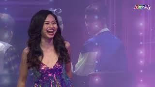 Thúy Nga cười tít mắt khi được Thuận Nguyễn ẵm lên sân khấu