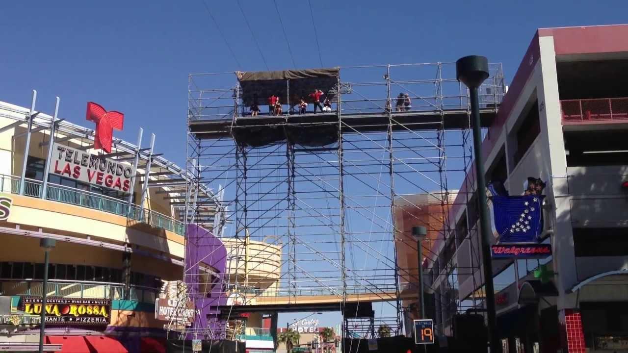 Flightlinez at the Fremont Street Experience, Las Vegas (Zip Lines ...