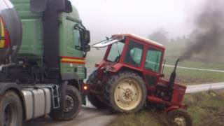 belarus 82 vs mercedes 50 ton