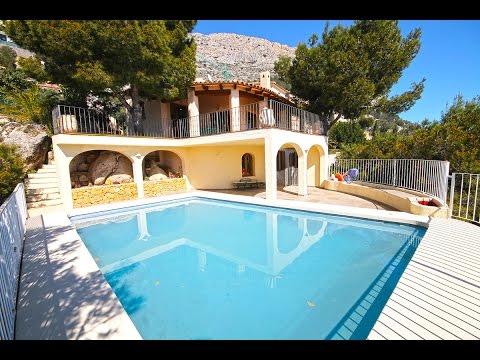 Вилла с видом на море в Испании классический стиль, в элитной урбанизации Altea Hills, пять спален