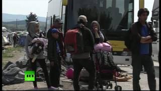 Греция эвакуирует беженцев из лагеря Идомени(Греческие власти планируют завтра начать эвакуацию беженцев из лагеря вблизи посёлка Идомени. Эвакуацию..., 2016-05-24T11:58:58.000Z)