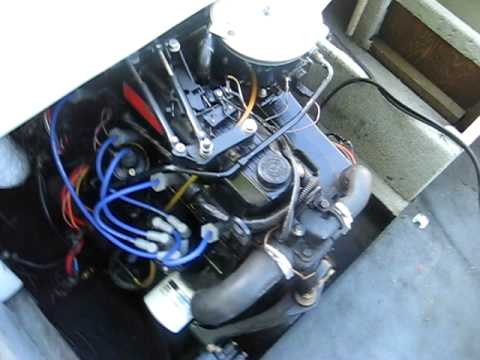 1988 Chris Craft 30L mercruiser 130hp running  YouTube
