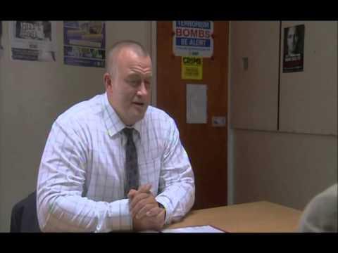 Ross O'Hennessy  Immigration Officer  Caerdydd