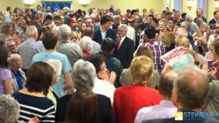 Hundreds Gather at Lorette Parish Hall to see Terry Hayward and Justin Trudeau
