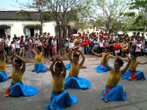 Đất nước lời ru 11C1 - 2011 Trường THPT Tắc Vân