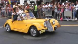 Desfile de carros clásicos y antiguos Feria de Cali 2015 (3)