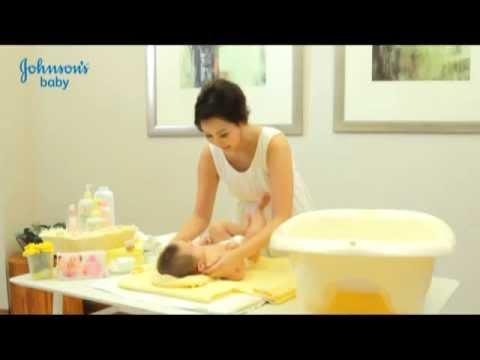 วิธีการอาบน้ำลูกน้อย by Johnson's baby
