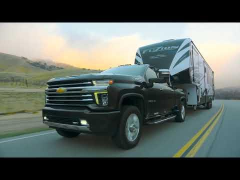2020 Chevrolet Silverado HD Driving Video