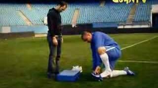 Ronaldo prova le nuove scarpe