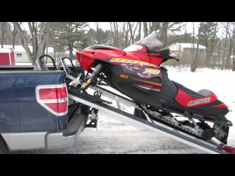Snowmobile ramp