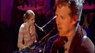 Glen Hansard & Markéta Irglová - Falling Slowly (Live Jools Holland 2008)