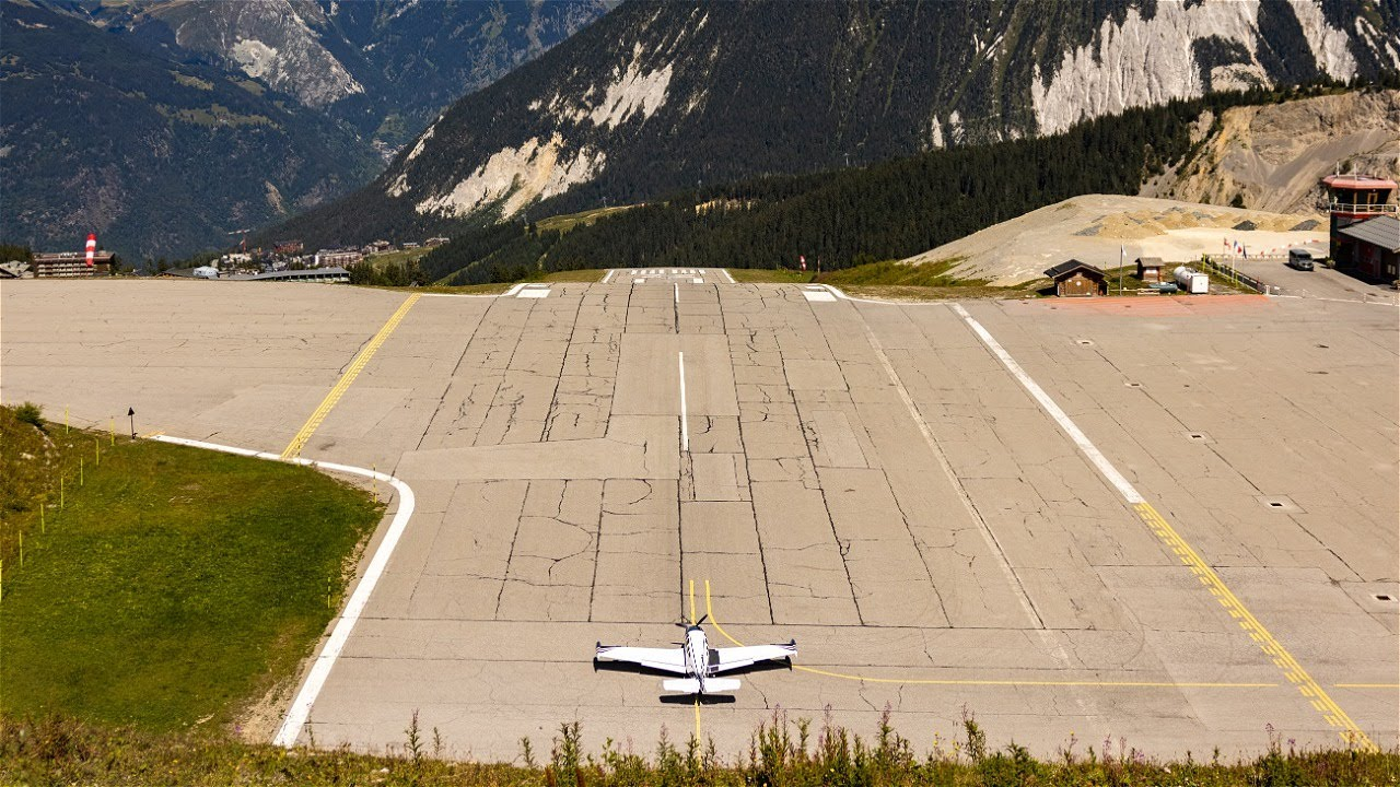Download Landing at one of the MOST DANGEROUS Airports in the world! - Altiport Courchevel (LFLJ)