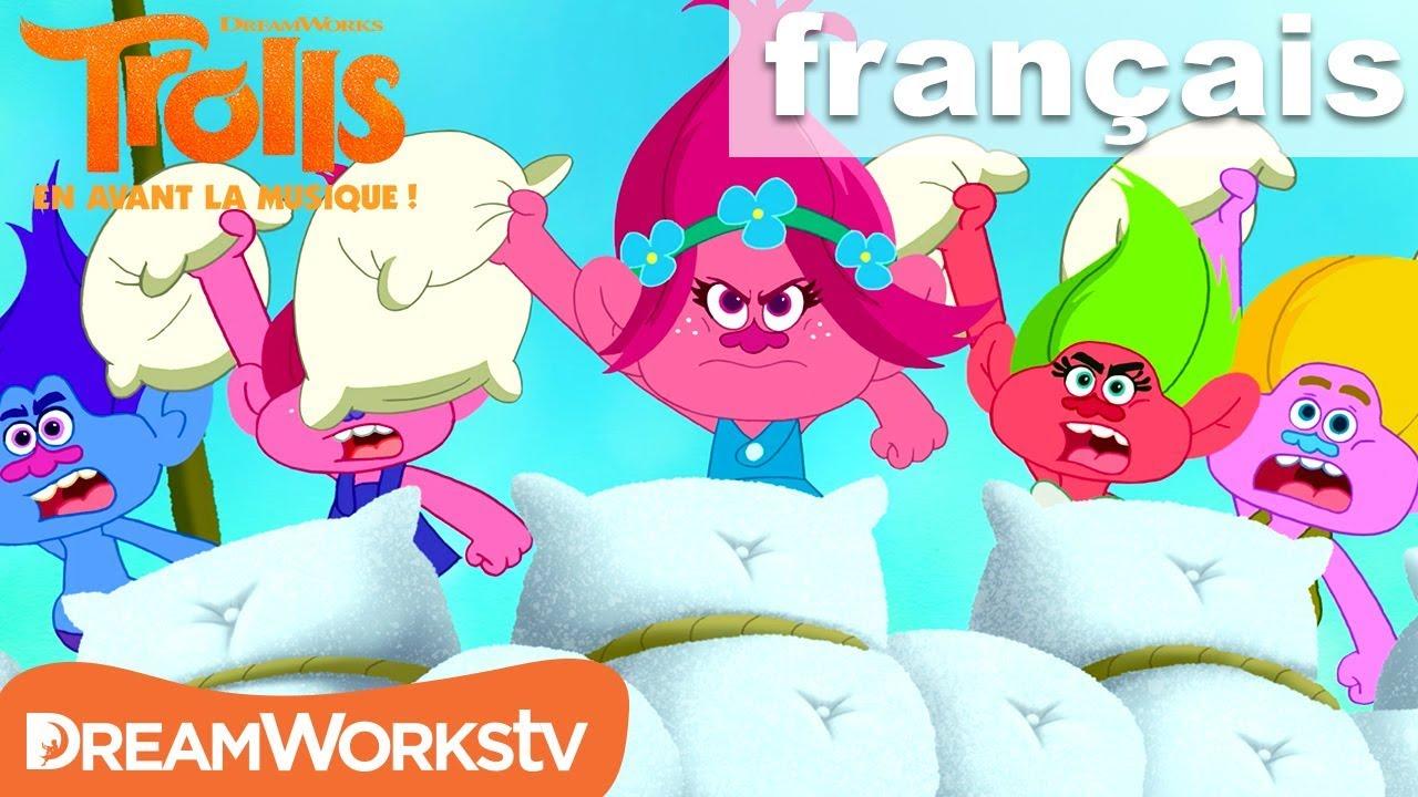 Download Une bataille d'oreillers épique   TROLLS : EN AVANT LA MUSIQUE ! @DreamWorksTV Français