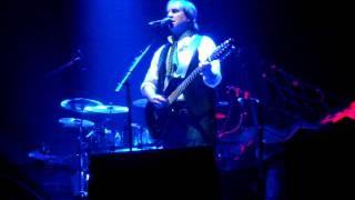01 SOS (ABBA cover) - CHRIS DE BURGH @ BOURNEMOUTH INTERNATIONAL CENTRE 07.10.11