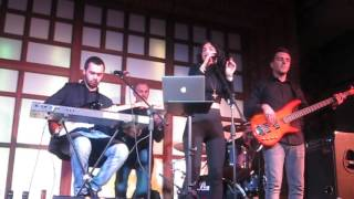Скачать Kadebostany Castle In The Snow Cats In Space Cover
