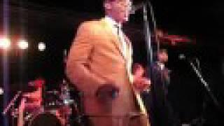 "Raphael Saadiq Live Performance, ""Love That Girl,"" 9.1.08"