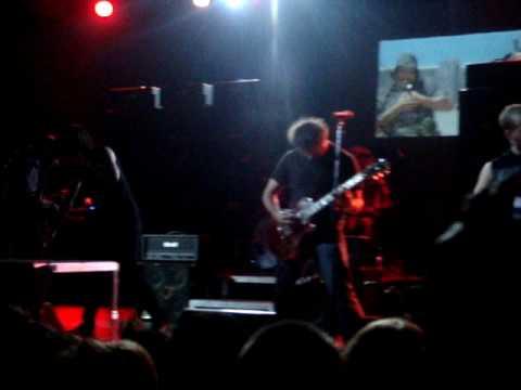 Austrian Death Machine - Get To The Choppa (Live)