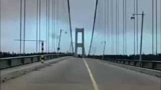 "Tacoma Narrows Bridge Collapse ""Gallopin"