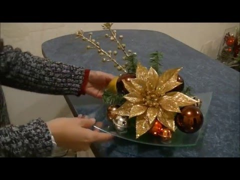 Haz un bonito arreglo Navideño con nochebuena dorada