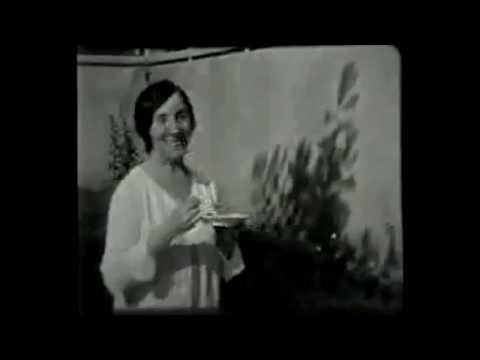 Wanda Landowska dans auditorium de Saint-Leu-la-Forêt (1927)