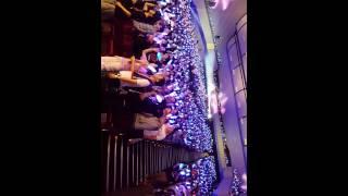 日本動漫演唱會 為什麼看起來像在北韓?