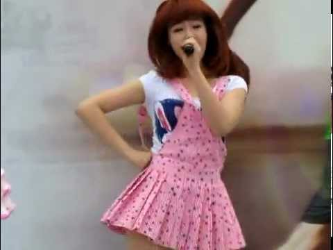 [110410] Dal★Shabet performing at the Adidas MBC Hangang Marathon 2011 - Hottie