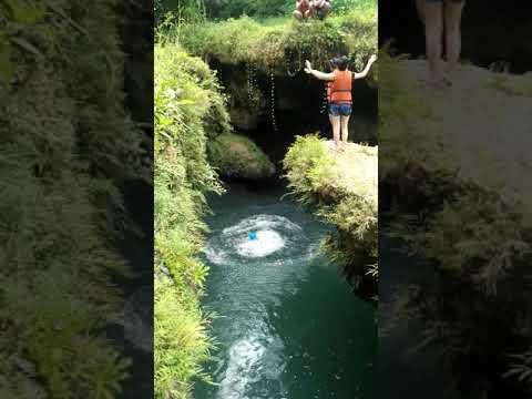 Keseruan Loncat Dari Ketinggian Di Santirah River Tubing