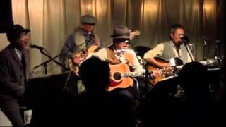 Neil Yougの名曲ですね。 2013年10月26日 札幌Coo.