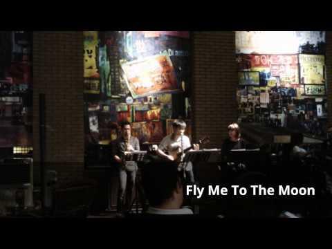 วงดนตรีแจ๊ส Triple Play Live Jazz Music at Shanghai Mansion Bangkok