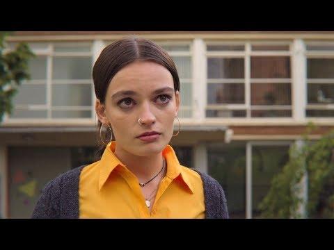 Мэйв признается в своих чувствах к Отису - Половое воспитание 2x04