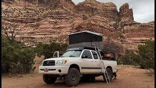 Roof Top Tent Faṁily Overland Camping In Utah's Remote Desert.
