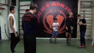 Двоє чернівецьких боксерів відзначились на Чемпіонаті України серед школярів у Надвірній(, 2016-11-02T14:59:56.000Z)