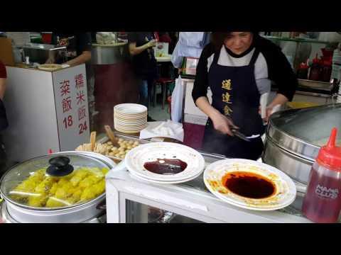 Hong Kong Street Food - Cheong Fun - Flat Rice Noodle