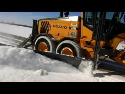 Volvo G900 Motor Graders - Snow Removal - YouTube