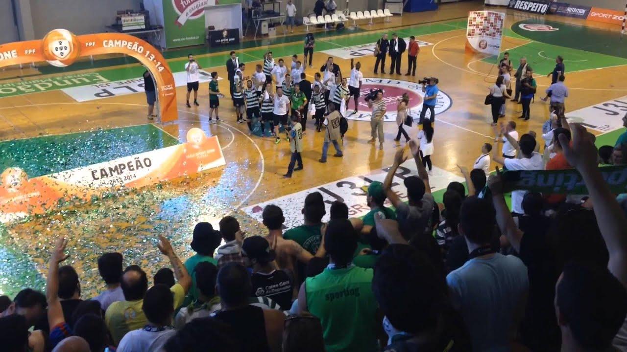 Sporting CP - Bicampeão Nacional Futsal - Festejos Adeptos Equipa ... 23d8c539630ae