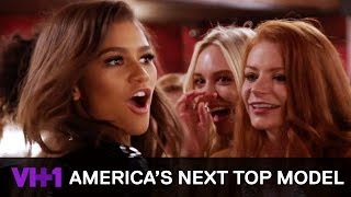 Zendaya Coaches Models At The First Runway Event 'Sneak Peek' | America's Next Top Model