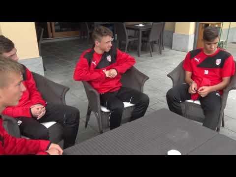 Hráči z Regionálních fotbalových akademií se setkali s Pavlem Nedvědem