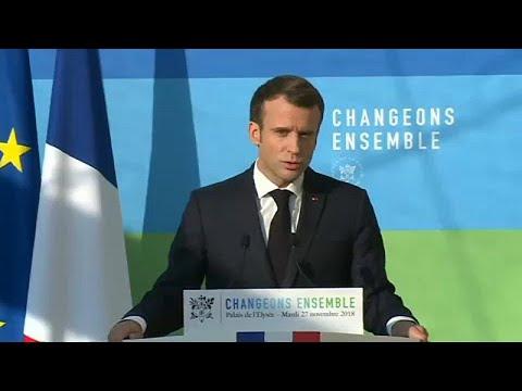 """Macron opta pelo compromisso no braço-de-ferro com os """"coletes amarelos"""""""