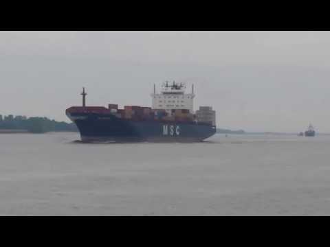 Shipping lane Elbe Blankenese