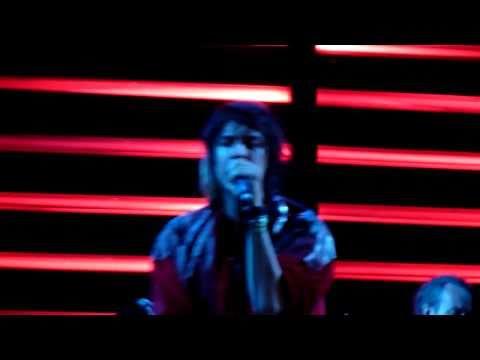 Julian Casablancas - 11TH DIMENSION (HD) Live in ITALY 2010