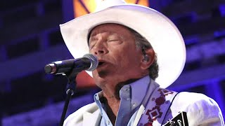 Gambar cover George Strait Shaken After Losing 'One of Our Own'