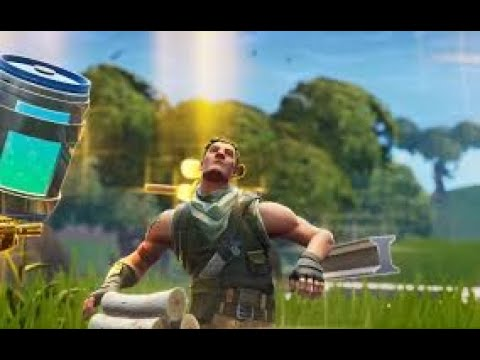 Trying To Avoid Death In Fortnite Battle Royale: iCommandYew