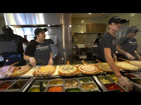 Dot Com Life Vlog - Lunch at Pieology Pizzeria