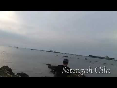 Ungu - Setengah Gila (With Lyrics)