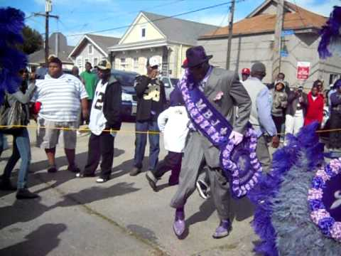THE NEW ORLEANS ORIGINAL MEN BUCK JUMPERS 2010 SECOND LINE PARADE FEATURING THE STOOGES BRASS BAND
