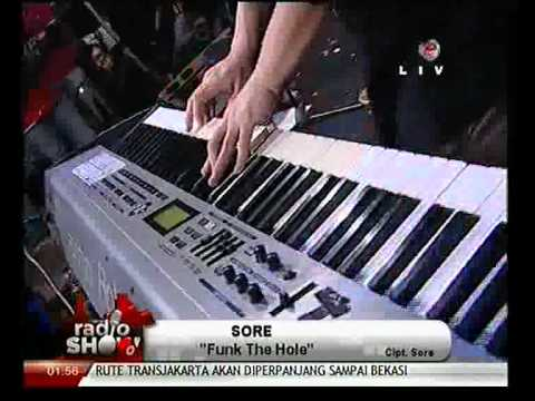 Download musik SORE - Funk The Hole (Live at Radio Show TVOne) online