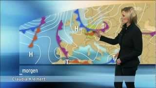 Repeat youtube video Claudia Kleinert in Lederhose , leather pants, leggings, heels @ rbb Wetter 18.02.2013