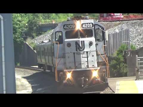 Watching Trains At Lindenwold 6/26/19