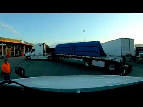 trucker-loses-it-over-horn!-trucker-tries-to-start-fight-in-parking-lot!