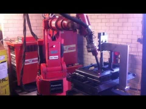 www.jacobus.nl Lassen van houtkachel deur op Panasonic lasrobot.